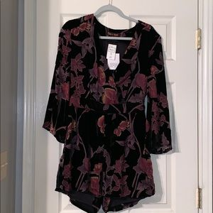 Black floral velvet romper size medium